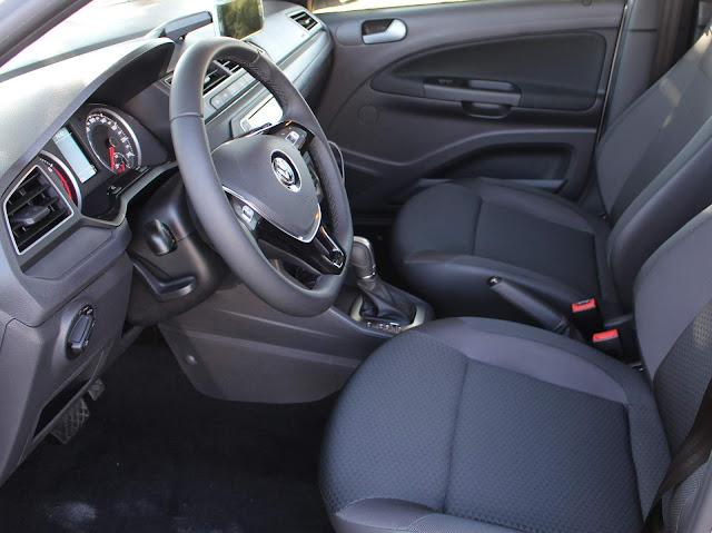 Novo VW Gol 2019 Automático - espaço dianteiro