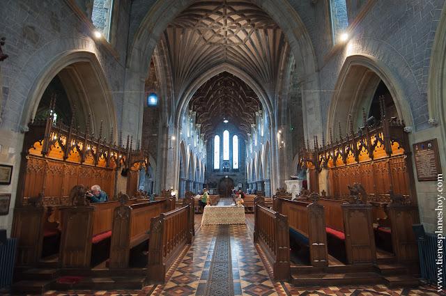 Interior Catedral Kilkenny Irlanda