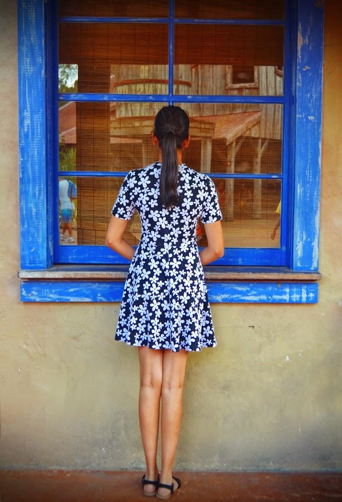 monochrome floral, dress, daisy print