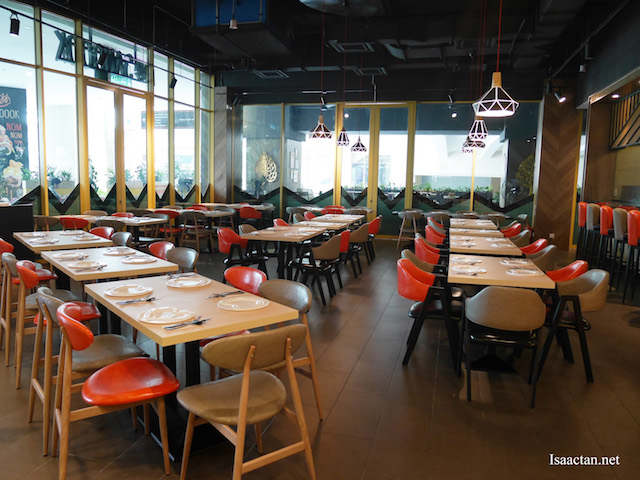 Simple, comfortable decor of SANOOOK
