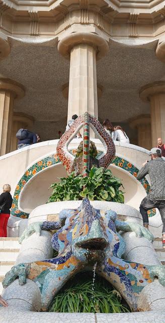 Dragón y Sala de las Cien Columnas en el Park Güell