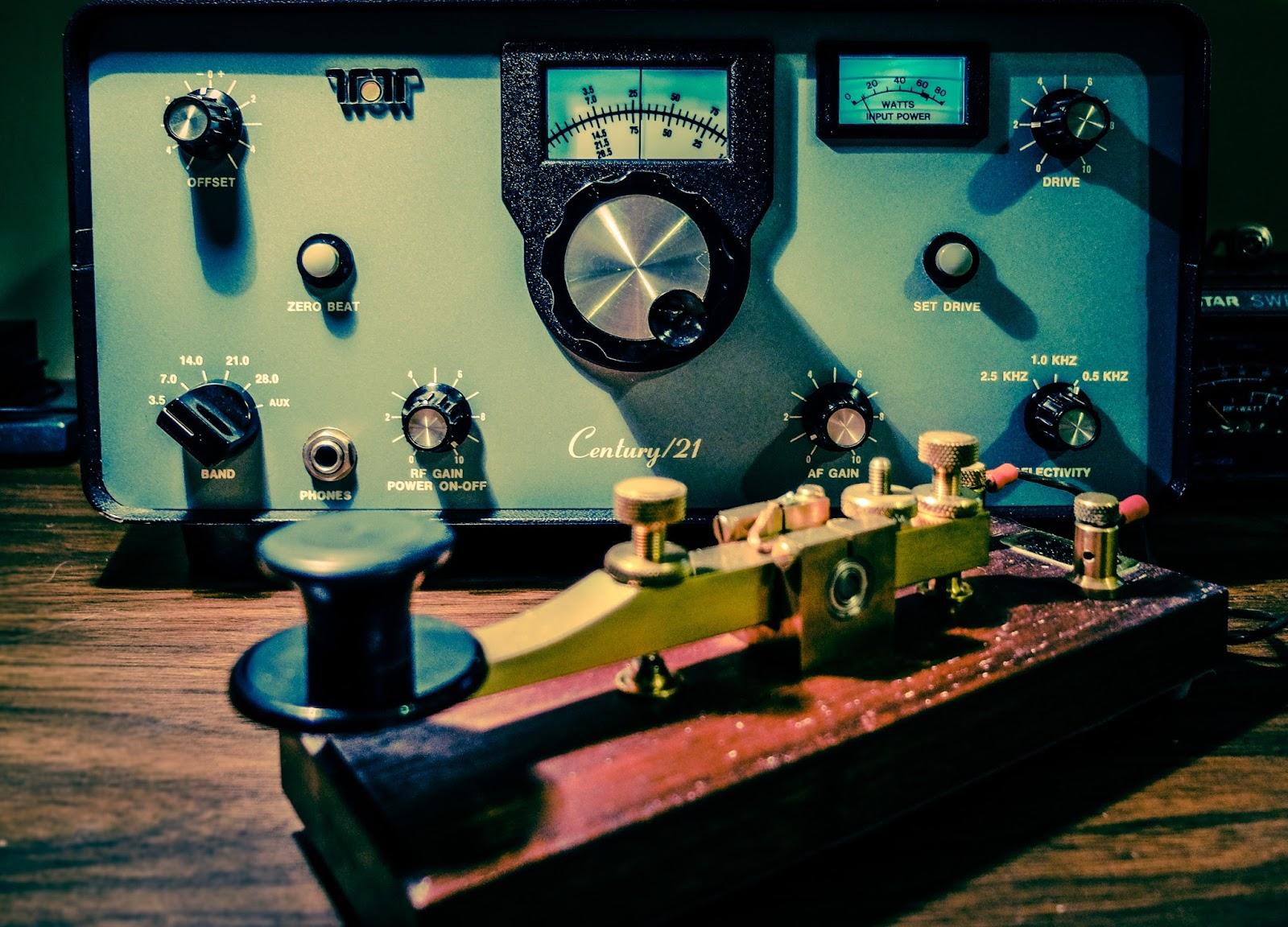 TEN-TEC Century 21 --- Vintage Novice CW Rig - Ham Radio - QRP