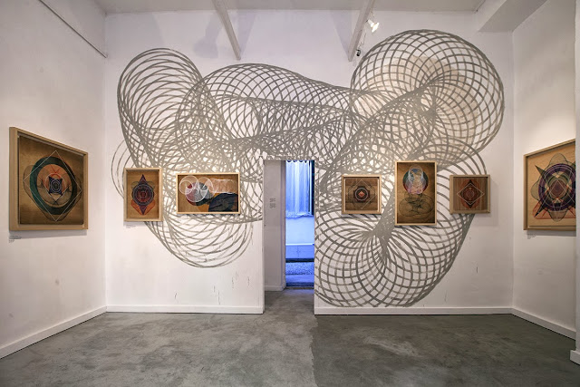 A few days ago, Italian Street Artist Moneyless opened his new solo show at 999Contemporary in Rome, Italy. 1