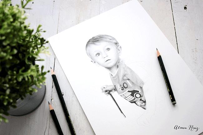 Retrato infantil personalizado dibujado a lápiz