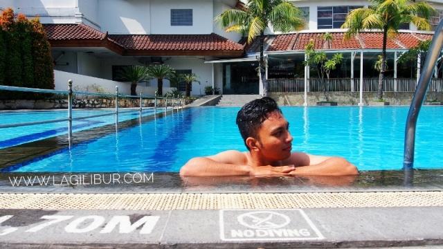 Kolam Renang The Sunan Hotel