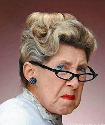 Meine Schwiegermutter - Brille und Dutt - Lustige Bilder und witzige Texte