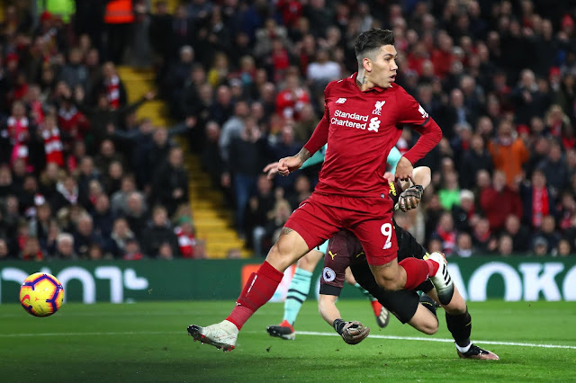 Liverpool Roberto Firmino Scores against Arsenal