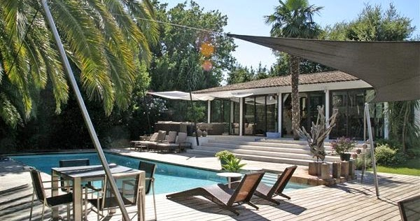 jacques lenain architecte lille saint tropez renovation complete d 39 une villa. Black Bedroom Furniture Sets. Home Design Ideas