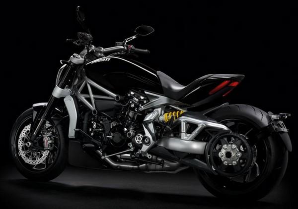 Ducati ialah pabrikan otomotif roda dua yang sudah tak diragukan lagi kualitasnya Harga Ducati XDiavel, Review & Spesifikasi Agustus 2017
