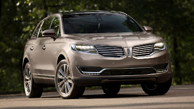 Lincoln MKX SUV Crossover right side front view