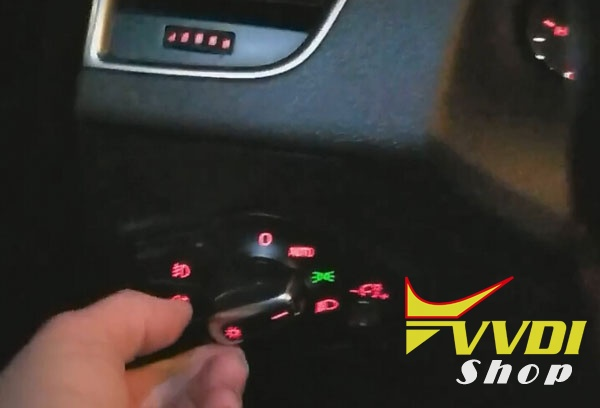 vvdi2-audi-a5-all-key-lost-3