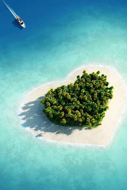 Heart-shaped-island-Must-See-Places-To-Visit-Once-In-Lifetime