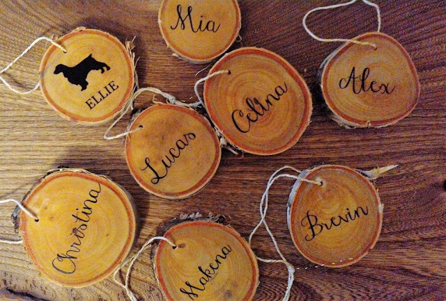 DIY Custom Wood Slice Ornaments - linaandvi.blogspot.com