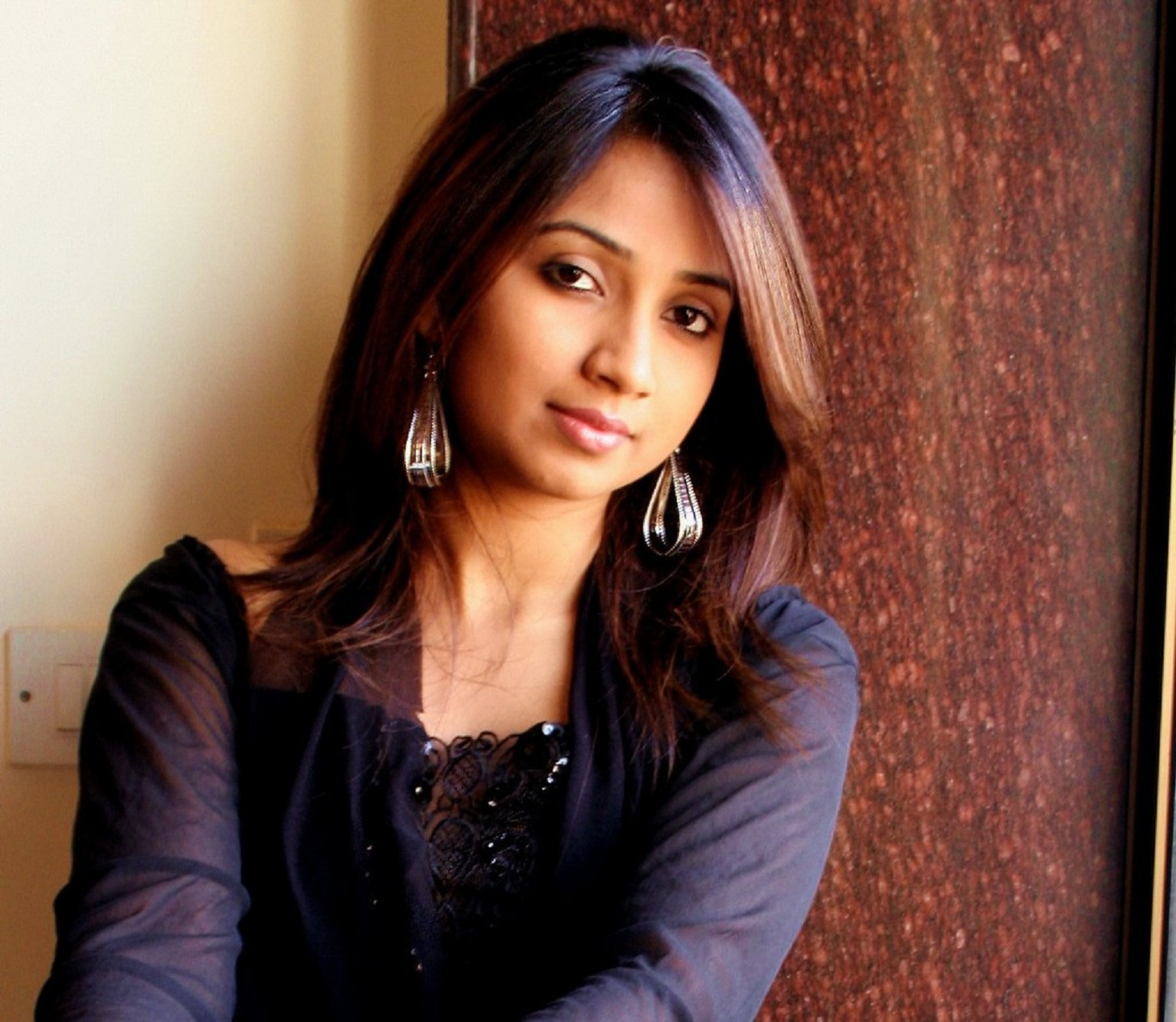 Shreya ghoshal dating shekhar ravjiani twitter. Dating for one night.