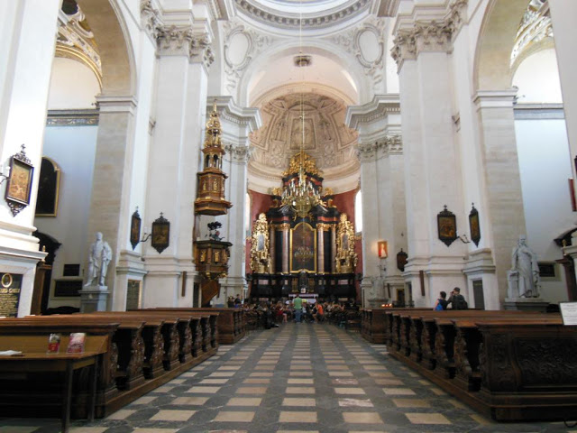 Mi blog de viajes y rutas por europa cracovia for Interior iglesia romanica