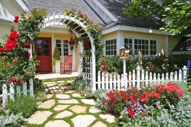 Hogares frescos olvida el aspecto tradicional modernas for Casa con jardin al frente
