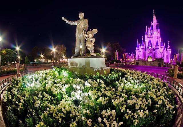 Walt Disney e Mickey,  no Magic Kingdom