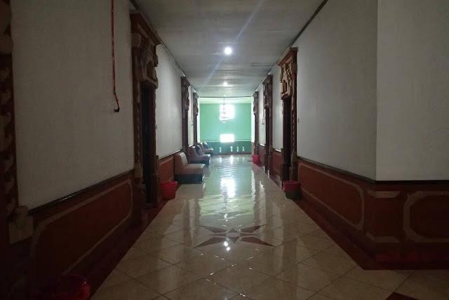 Hotel Grafika Gombong dan Pantai Suwuk