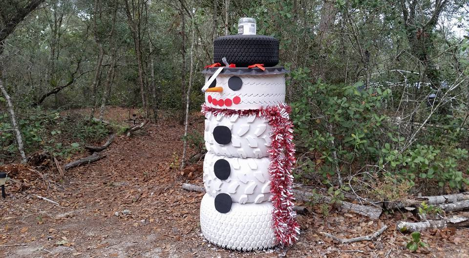 Salisbury news tire 39 d of snowmen for Snowmen made from tires