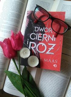 Dwór cierni i róż - recenzja