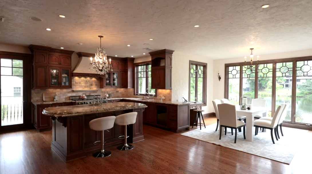 Tour 55 Orchard Dr, Greenwich Luxury Home vs. 23 Interior Design Photos
