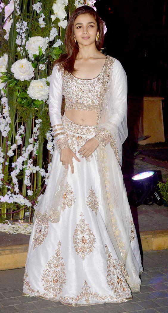 Top 8 Desi Looks Of Alia Bhatt Ashion Fashion