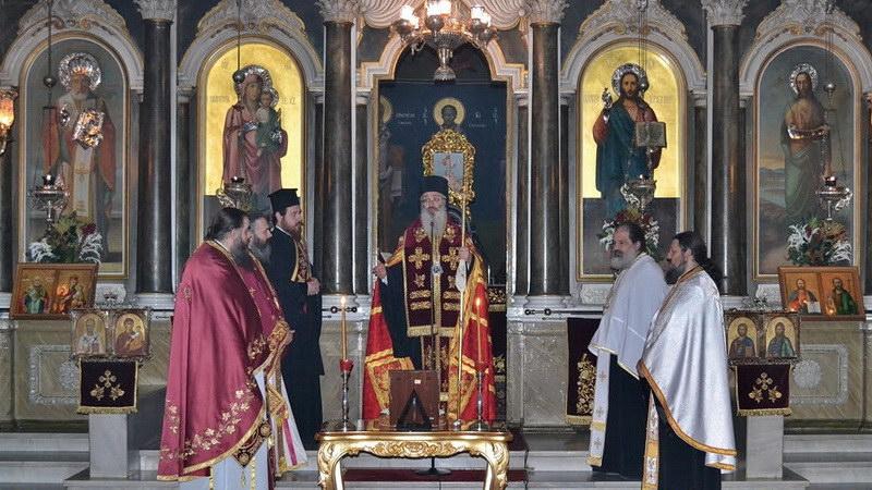 Πρωτοχρονιάτικη βραδινή Θεία Λειτουργία στο Μητροπολιτικό Ναό του Αγίου Νικολάου