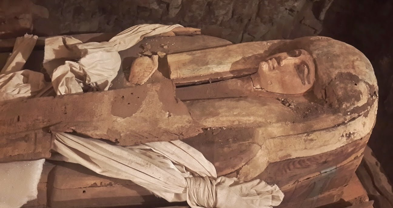 Coffins of pharaonic singer unearthed at Saqqara