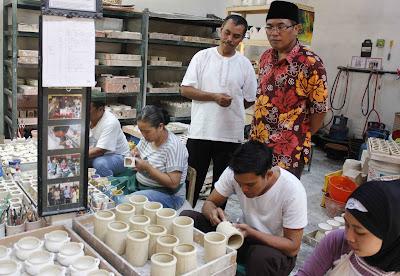 Kampung Keramik Dinoyo, 085-234-68-5885,Travel Malang Jogja & Travel Jogja Malang