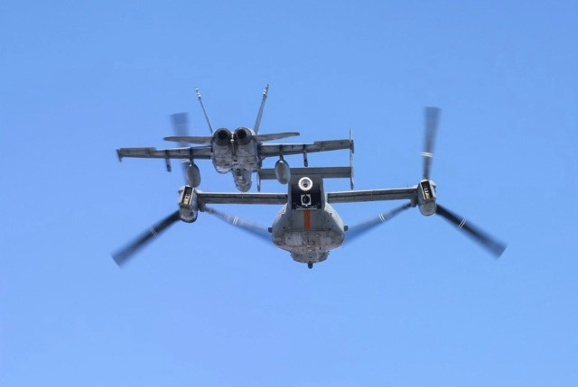Bell-Boeing V-22 Osprey  (aeronave militar polivalente, catalogada como convertiplano USA) )  - Página 2 Yuuuru