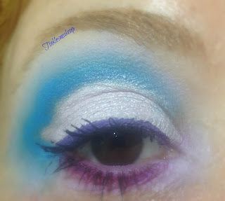 eye_makeup_heart_shaped_cut_Crease