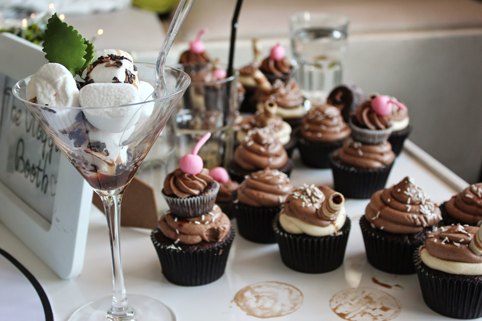 bloggers-love-fashion-week-food-cupcakes-marshmallows