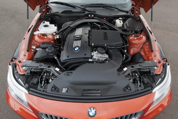 2014 BMW Z4 Roadster Engine View