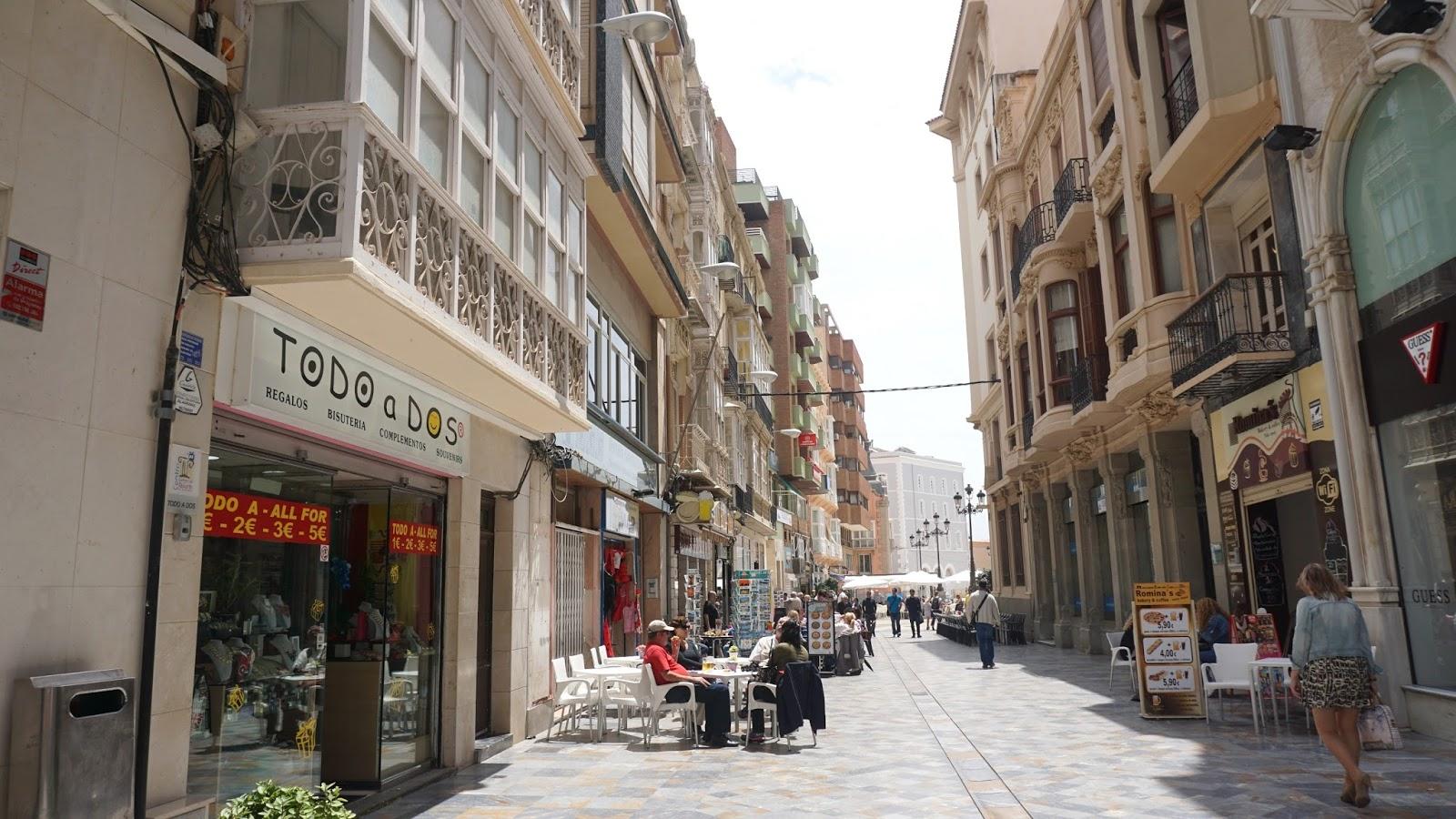 kartageński deptak, Alicante, atrakcje Hiszpanii, południowa Hiszpania, Pani Dorcia, Pani Dorcia blog, blog o podróżach, prowincja Murcja,  Costa Calida