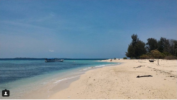 Pantai Saebus Madura
