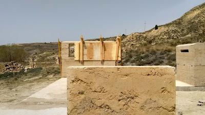 Construcción con tapia de yeso para la Puesta en Valor de las Canteras de Yeso.
