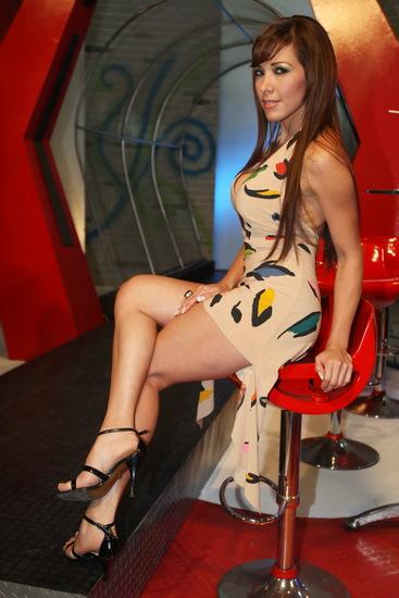 Hermosa colombiana con piernas largas se pone muy cachonda - 4 7