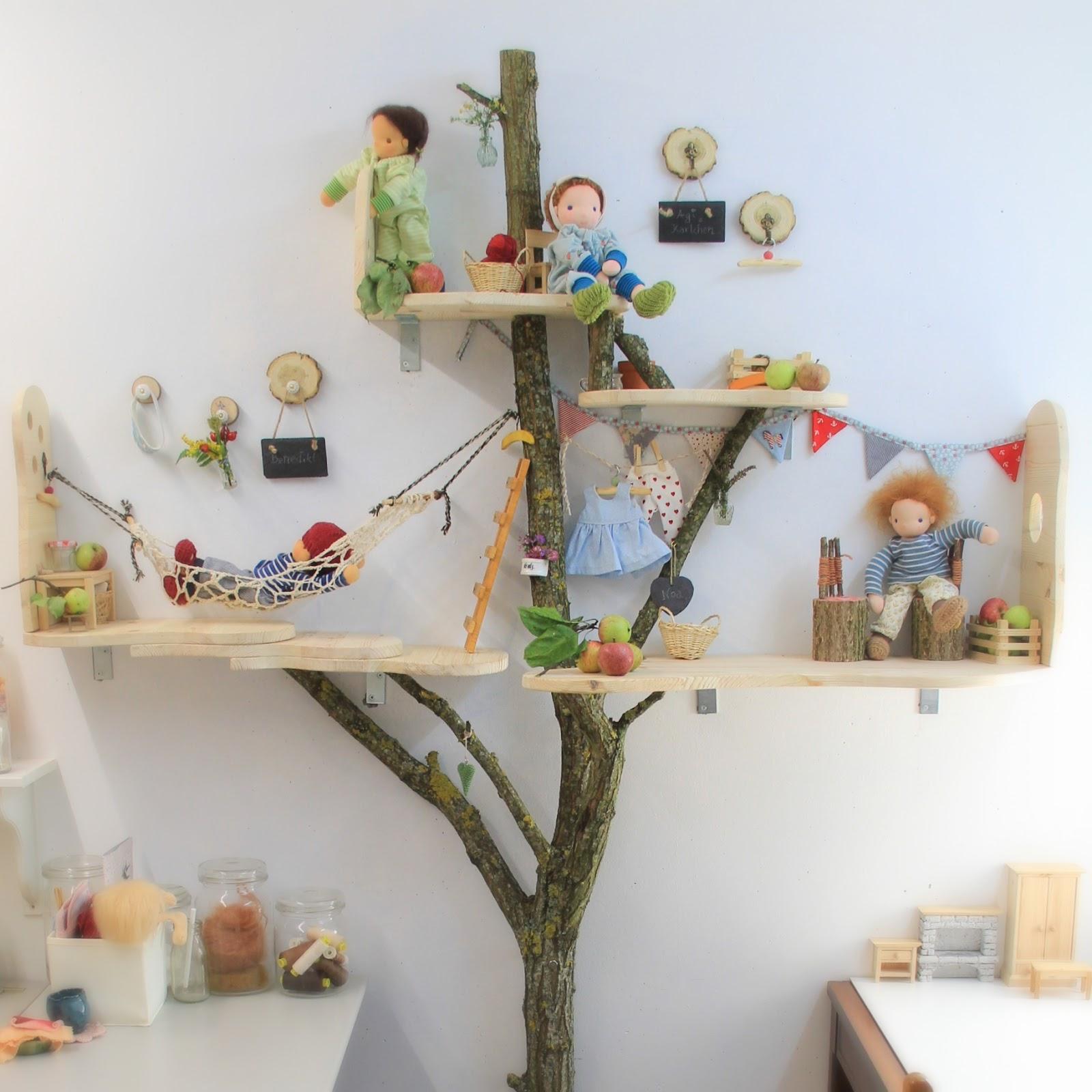 Ab sofort wohnen hier alle meine geliebten Dreikäsehoch Puppen im Baumhaus bevor sie zu ihren neuen Familien reisen