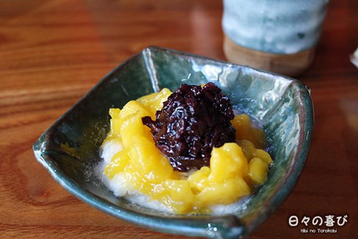 neige blanche à la mangue et au riz noir