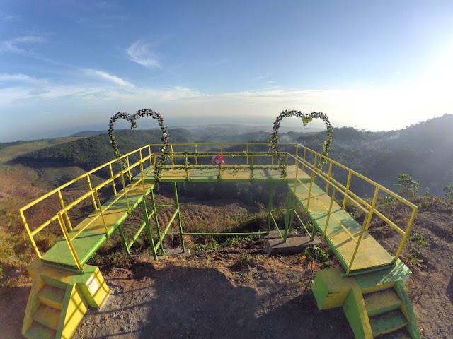 Wisata Gardu Pandang Sri Gunung Banyuputih Batang