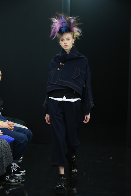 Comme des Garçons Autumn-Winter 2013-14  Paris Fashion Week