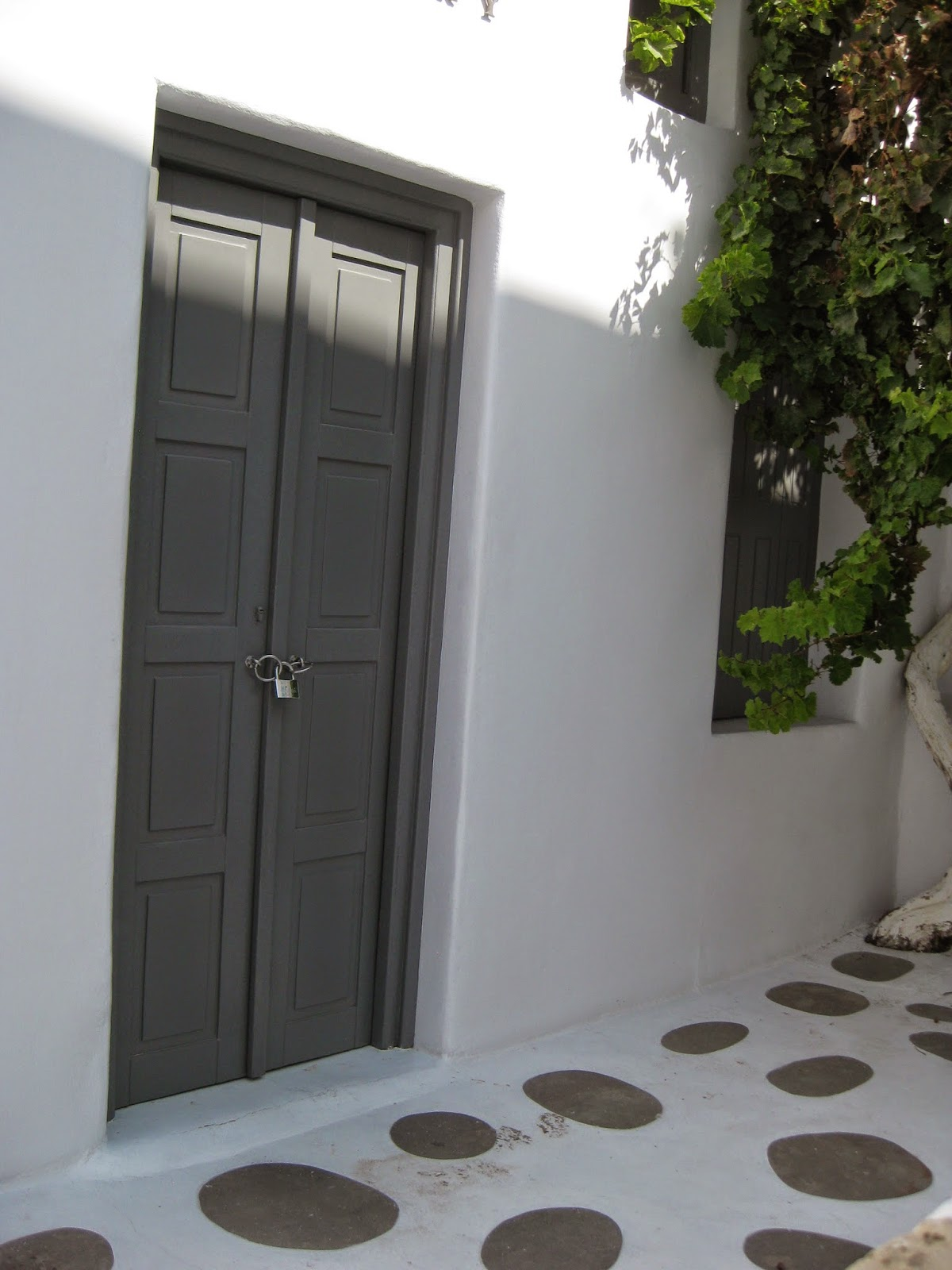 Mykonos - Beautifully maintained buildings