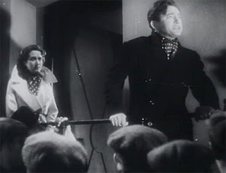 Jane Baxter and Claude Rains (The Clairvoyant)