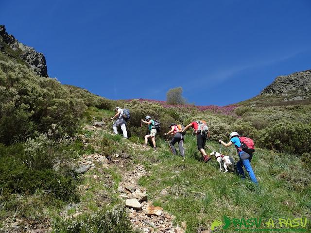 Ruta al Mustallar: Subiendo a la Mallada del Mustallar