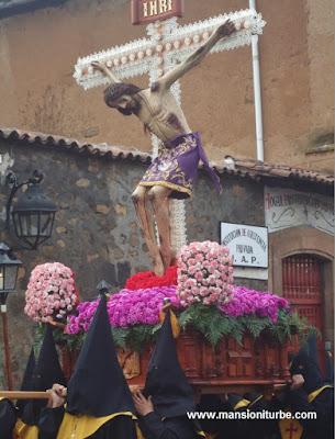 Señor de la Tercera Orden en la Procesión del Silencio en Semana Santa en Pátzcuaro