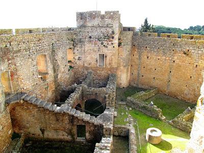 Resultado de imagem para imagens alcáçova do castelo de tomar
