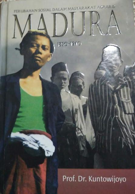 resensi buku Perubahan Sosial Dalam Masyarakat Agraris; Madura