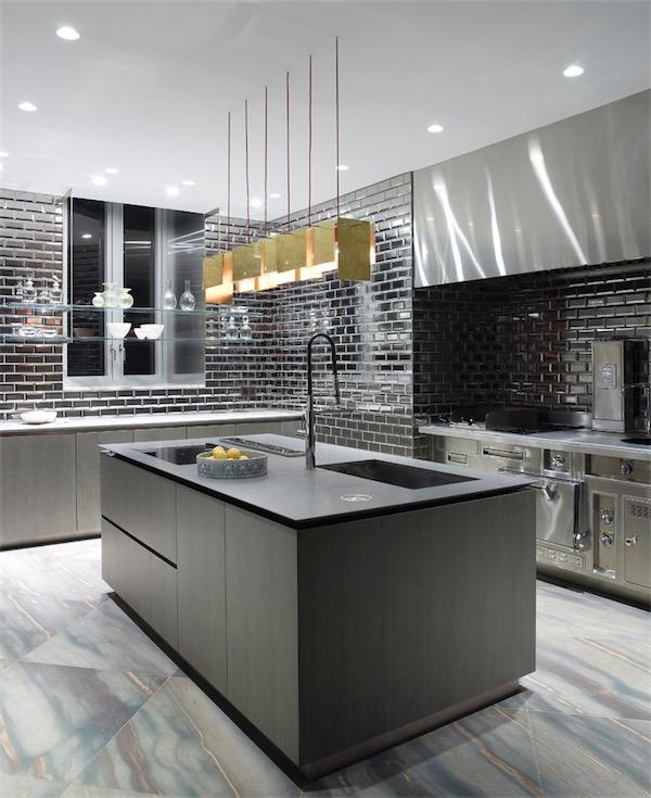 cocina con azulejos metalicos chicanddeco
