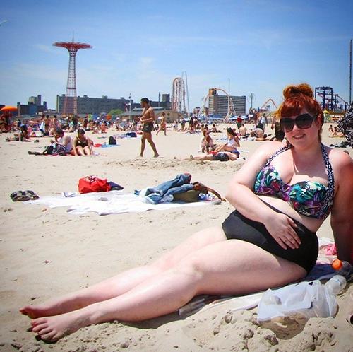 Rộ trào lưu phụ nữ béo diện bikini rồi tạo dáng chụp ảnh-6