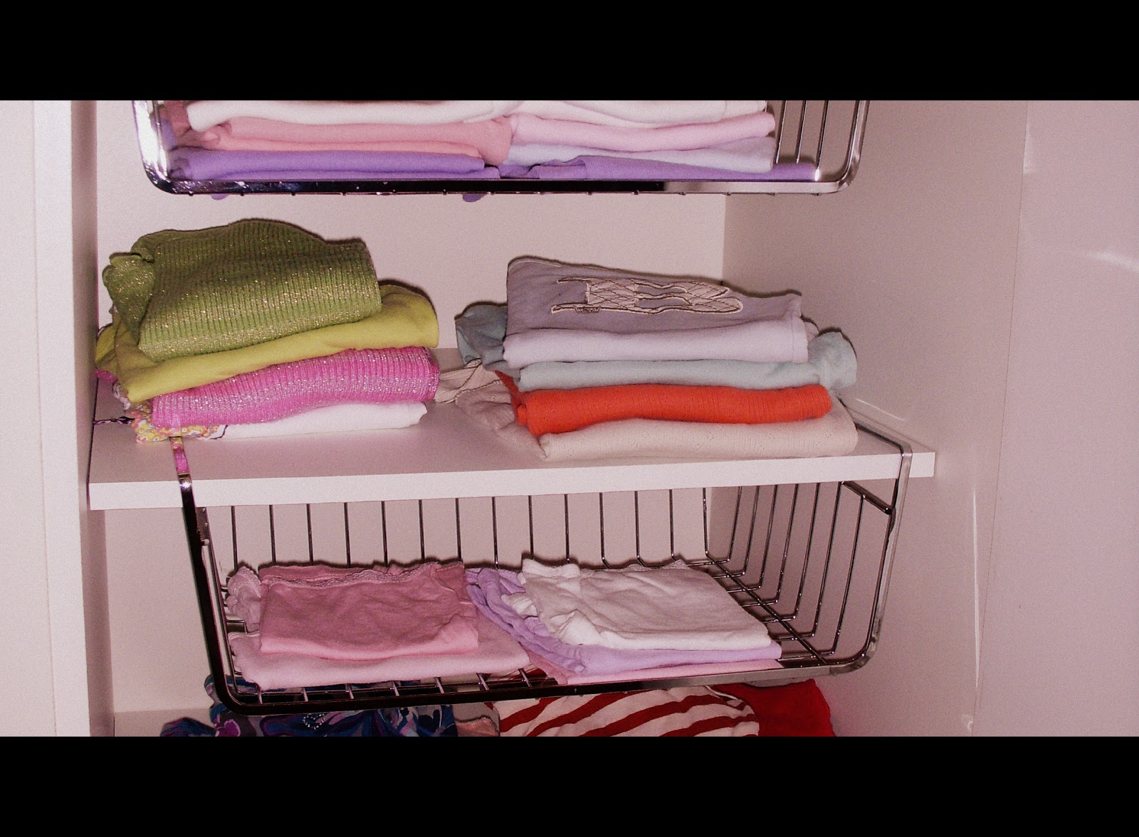 au bon placard l 39 organisation des v tements des enfants de maria b versailles. Black Bedroom Furniture Sets. Home Design Ideas